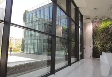 Commercial doors installation