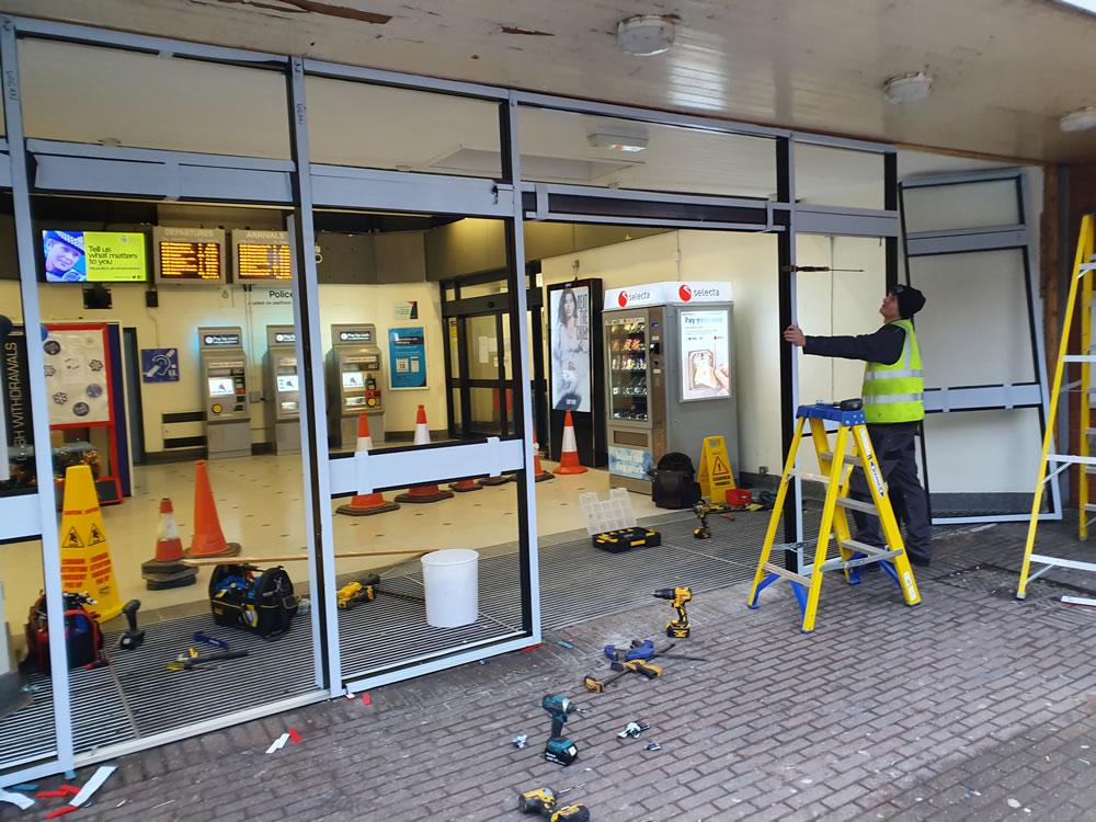 Commercial door emergency repair